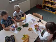 Tworzenie obrazków z jesiennych liści